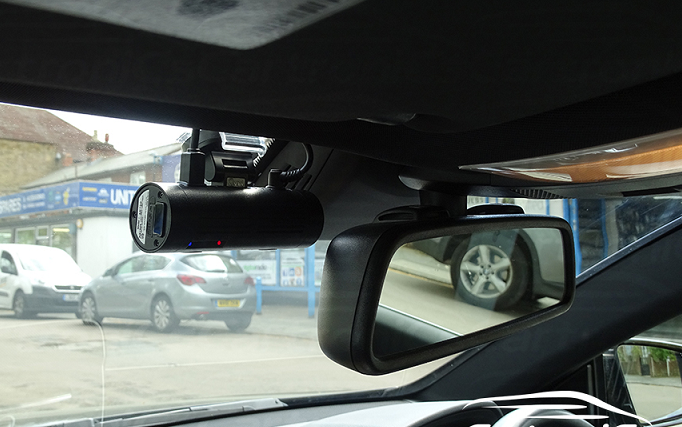 best dash cam for mercedes